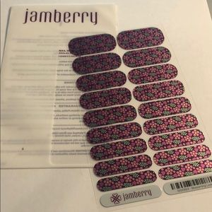 Jamberry - Blossoming Love Nail Wrap